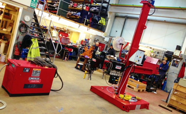 2.5m x 2.5m Column and Boom Welding Manipulator with NA-5 10