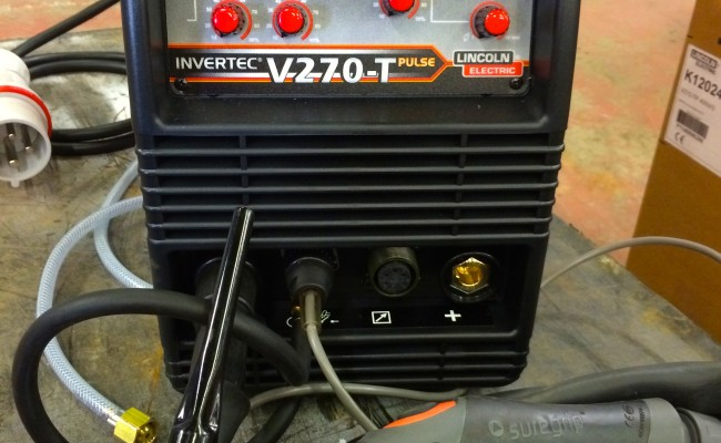 3. Lincoln Electric Invertec V270 T TIG Pulse Welder Inverter