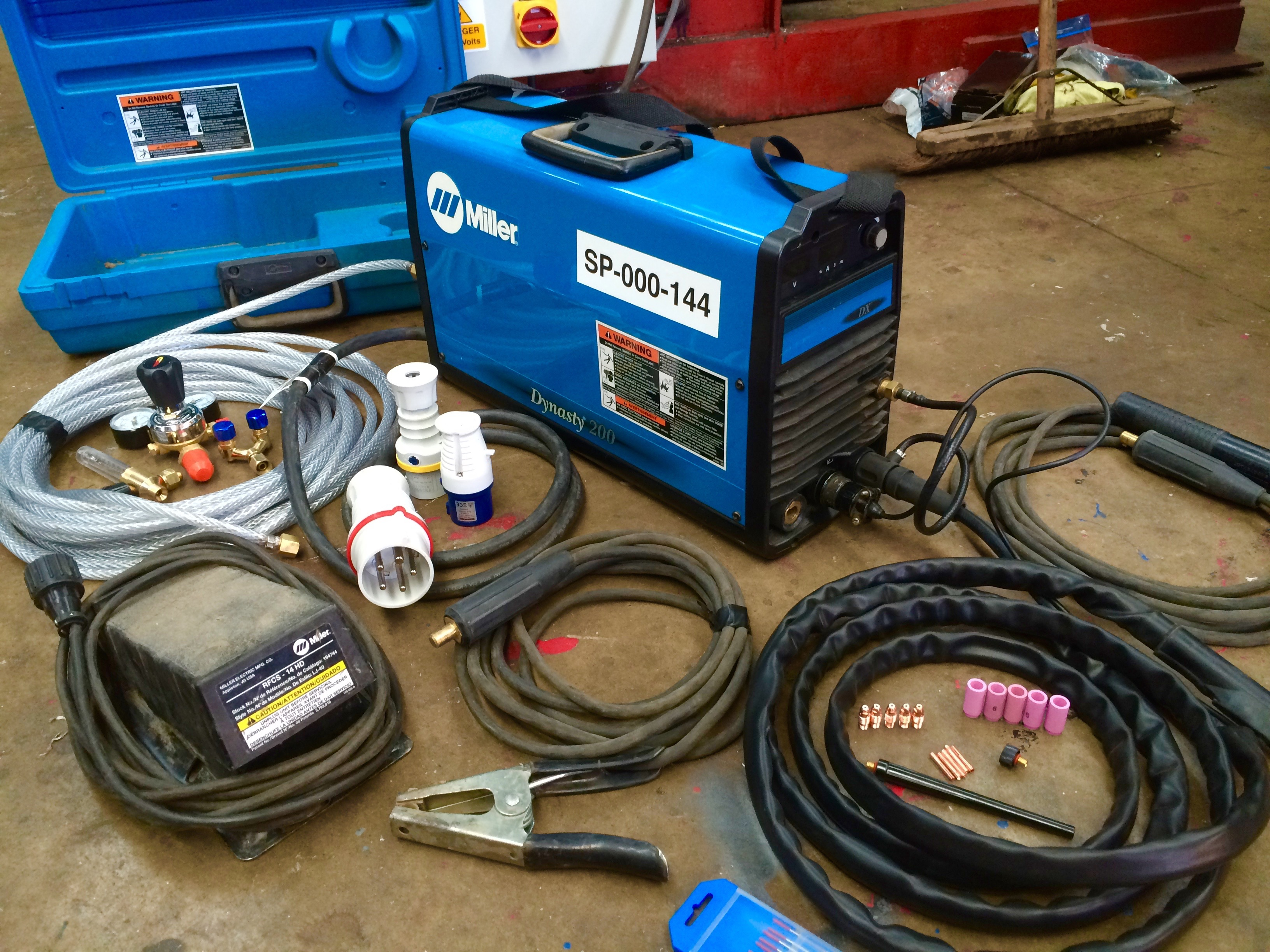 MIller Dynasty AC:DC 200 TIG Welding Machine with Foot Pedal