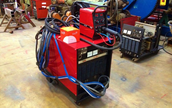 Lincoln Electric CV500-I Water Cooled MIG Welding Machine with Lincoln Electric LF33 Wire Feeder