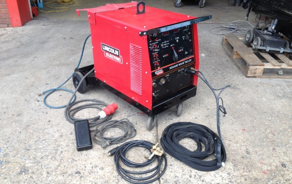 Lincoln Electric Square Wave TIG 275 AC/DC Welding Machine