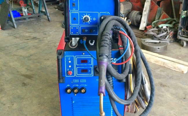9. Newarc RM550 Water Cooled MIG Welding Machine