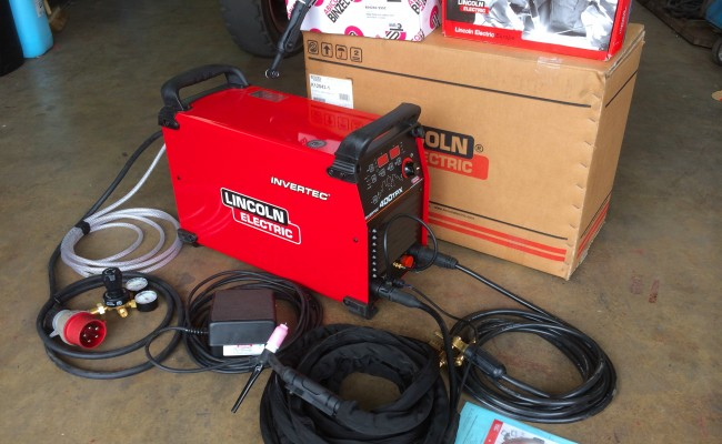 1. Lincoln Electric Invertec 400TPX TIG Inverter