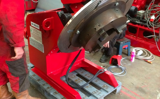 12. 750kg Welding Positioner with 3 Jaw Chuck