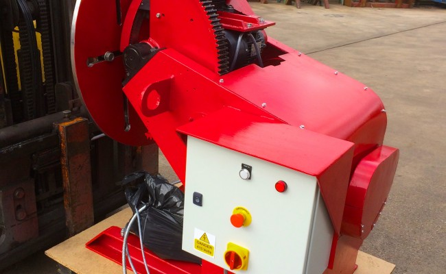 21. 750kg Welding Positioner with 3 Jaw Chuck