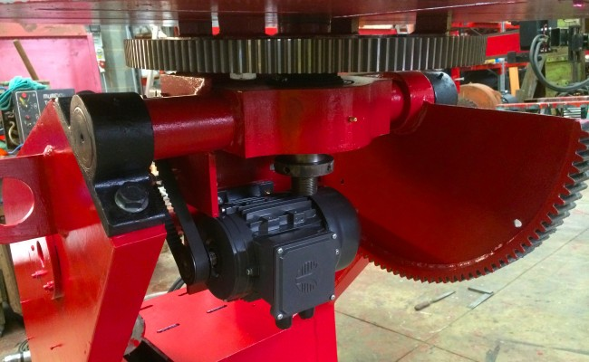 8. 750kg Welding Positioner with 3 Jaw Chuck