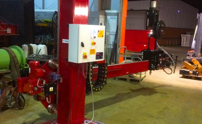 4. 2m x 2m Brand New Column and Boom Welding Manipulator with Lincoln Electric NA-5 Controller and Head