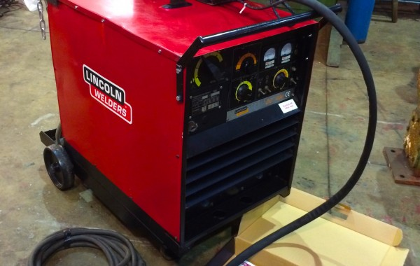 Used Lincoln Electric Idealarc DC 400 Water Cooled MIG Welding Machine with LF 37