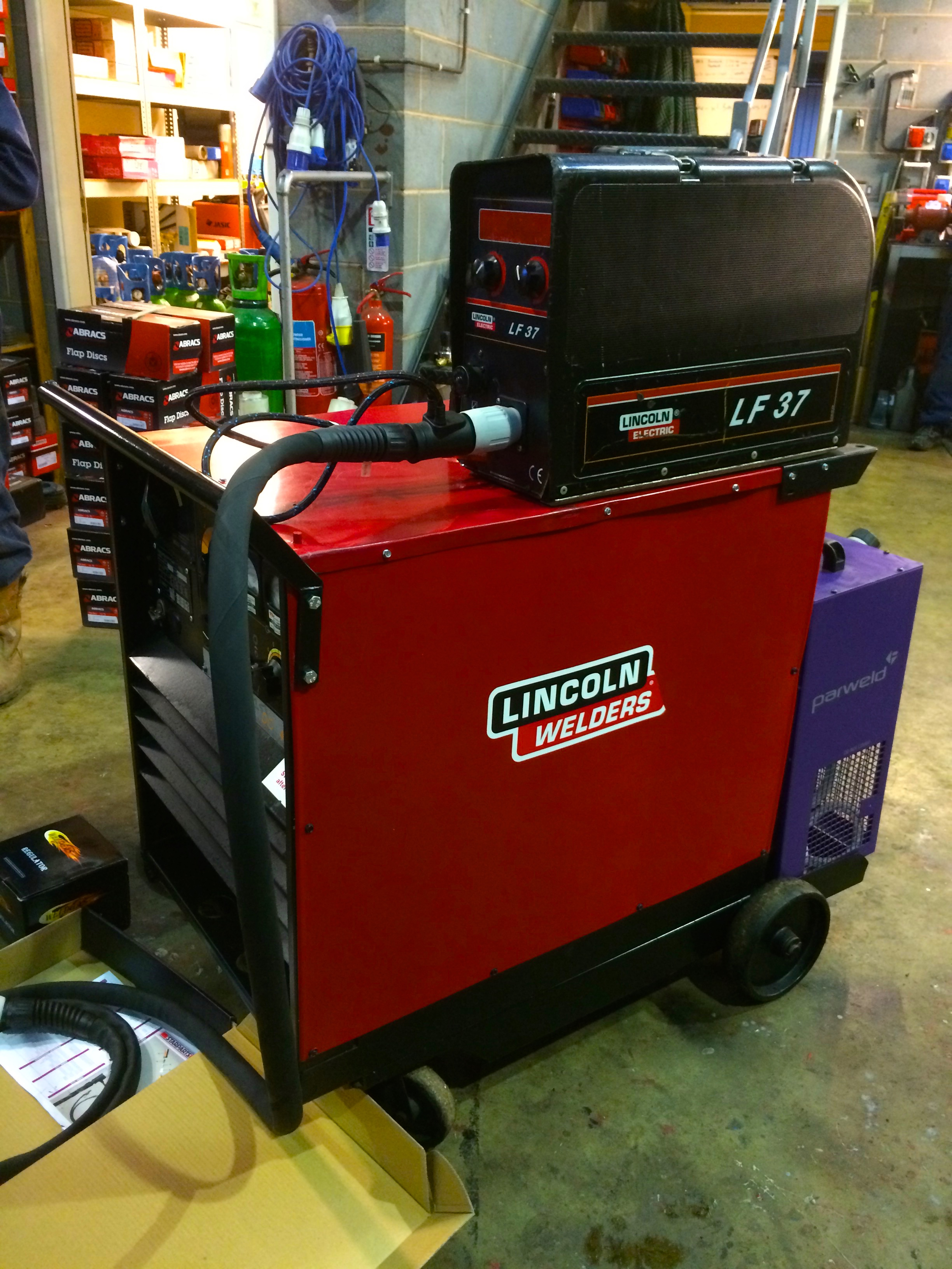 Used Lincoln Electric Idealarc DC 400 Water Cooled MIG Welding