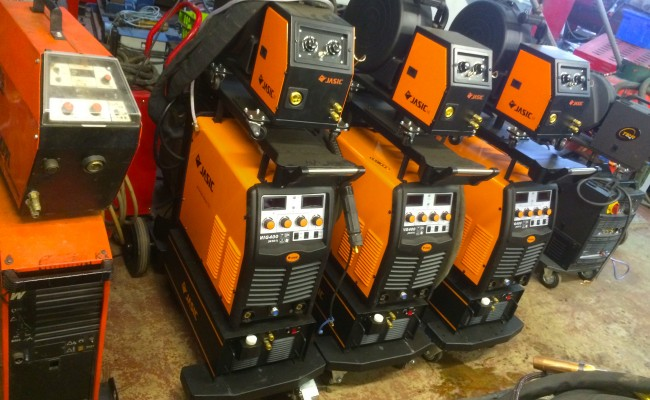 11. Jasic MIG 400 Separate Water Cooled MIG Welding Inverter