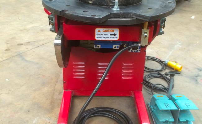 2. 250kg Welding Positioner 110V with Heavy Duty Chuck
