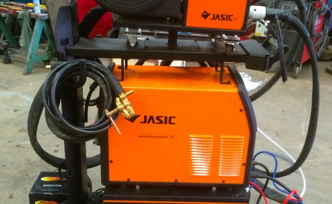 3. Jasic MIG 400 Separate Water Cooled MIG Welding Inverter