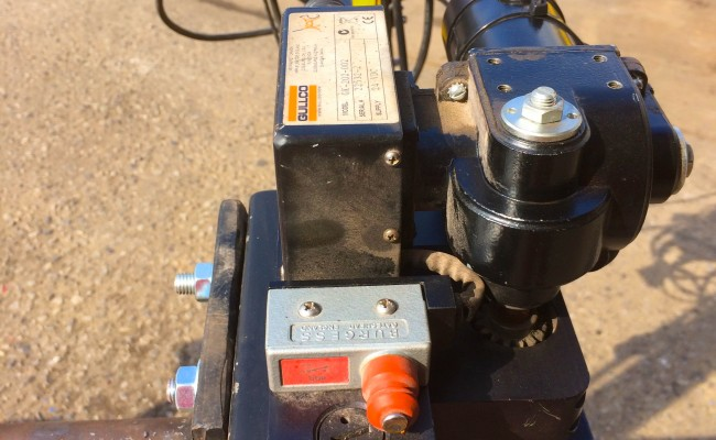15. Gullco Kat MIG Welding Arm Column and Boom Welding Manipulator