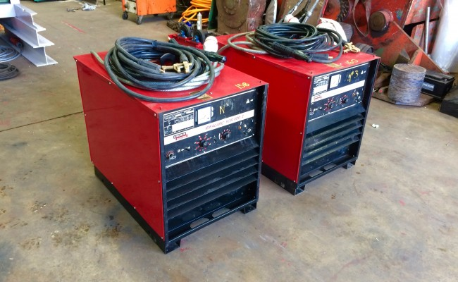 2. Lincoln Electric Idealarc R3R 600-I Air Arc and MMA Welding Machine