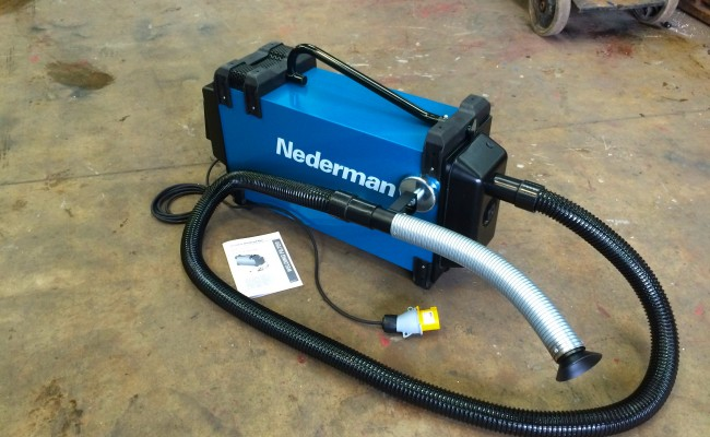 2. Nederman Eliminator 840 Briefcase Fume Extractor