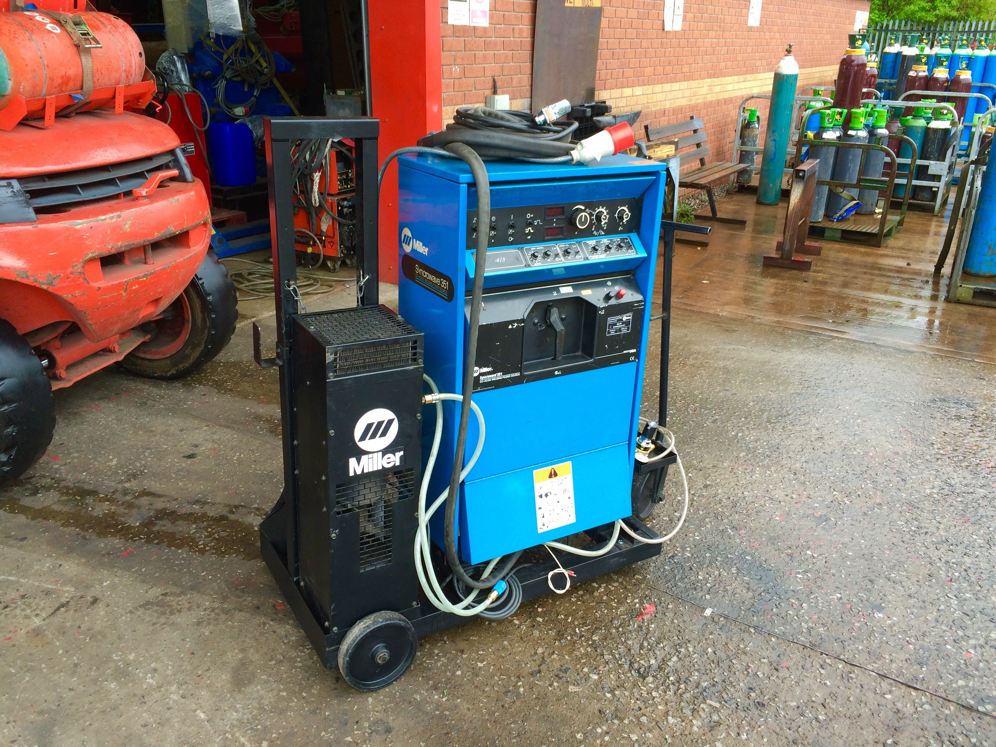 7. Miller Syncrowave 351 ACDC Digital Water Cooled TIG Welding Machine