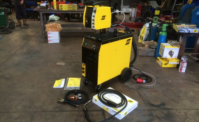 1. ESAB Origo MIG L405 MIG Welding Machine Package