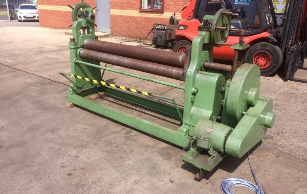 Plate Bending Machine / Pyramid Type Pipe Rolls