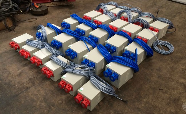 1. 415V 3 Phase 16 Amp and 240V 32 Amp Single Phase Splitter Distribution Boxes