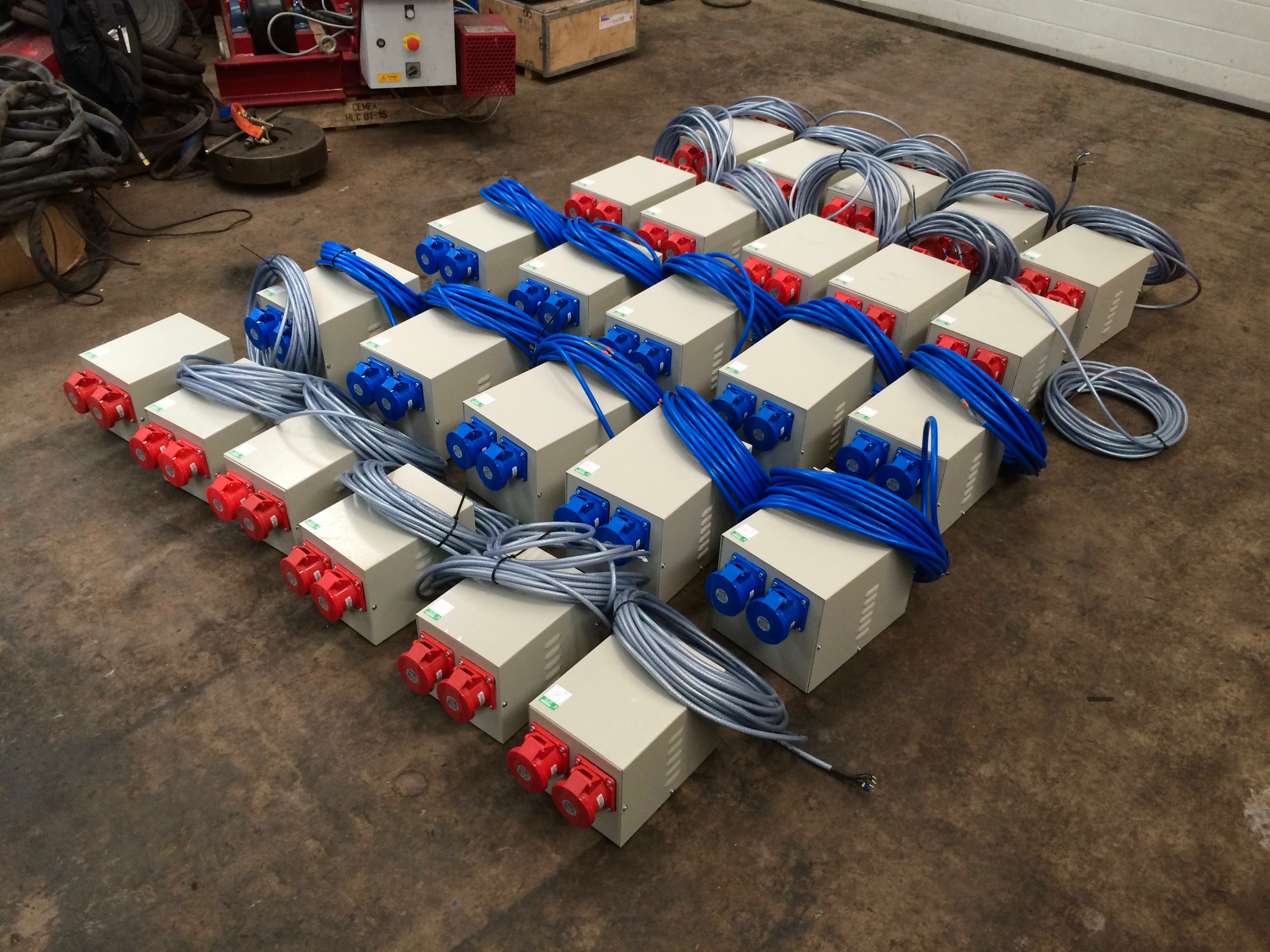 In House Manufacturing Spectrum Welding Supplies Ltd 200 Amp 3 Phase Fuse Box 415v 16 Distribution Boxes And 240v Single 32 Splitter
