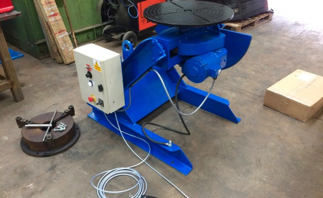 1. Fully Reconditioned MPE Yates 750kg Manual Tilt Welding Positioner with Foot Pedal Control, 415V