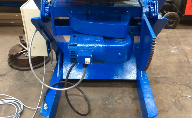 7. Fully Reconditioned MPE Yates 750kg Manual Tilt Welding Positioner with Foot Pedal Control, 415V