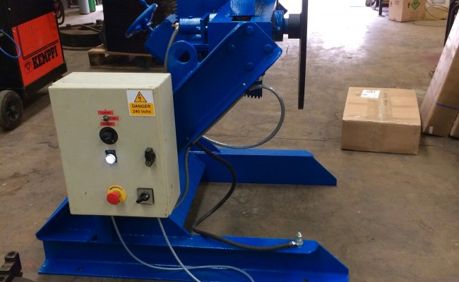 9. Fully Reconditioned MPE Yates 750kg Manual Tilt Welding Positioner with Foot Pedal Control, 415V