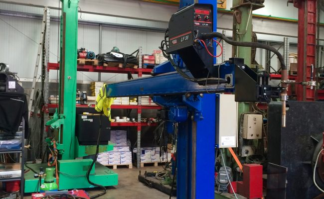 1. Lincoln Electric CV 500-I and Lincoln Electric LF38 Wire Feeder Water Cooled MIG Welding Machine Package coupled with BODE 3m x 3m Column and Boom Welding Manipulator