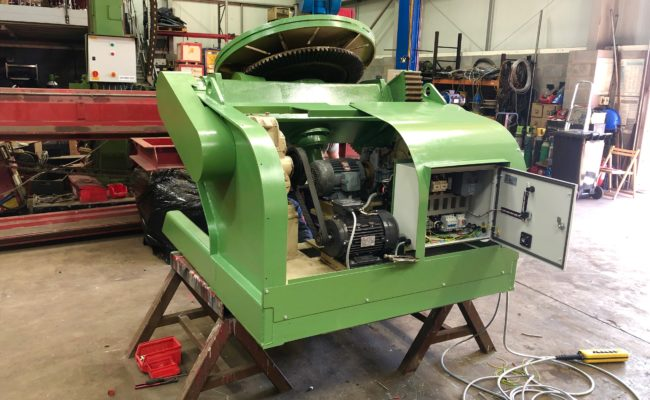 Refurbishing BODE 100SP 5 tonne SWL welding positioner with 600mm 3 jaw chuck-15
