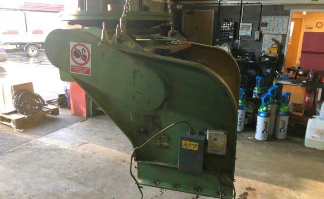 Refurbishing BODE 100SP 5 tonne SWL welding positioner with 600mm 3 jaw chuck-2