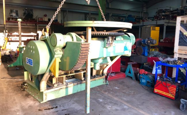 Refurbishing BODE 100SP 5 tonne SWL welding positioner with 600mm 3 jaw chuck-4