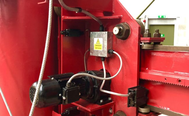 Spectrum hire fleet MPE 4 x 5 travelling base column and boom welding point manipulator-11