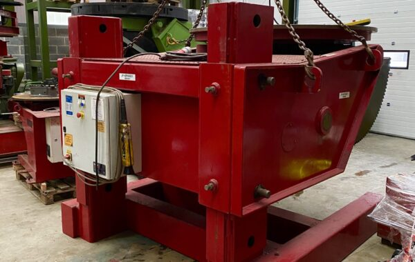 KP 10 tonne capacity adjustable height model welding positioner for hire